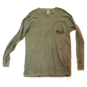 Long sleeve t-shirt with front pocket